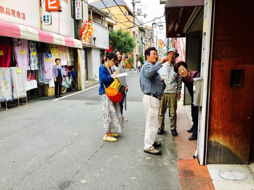 十三エリア:十三東本通商店街(通称:つばめ通り)